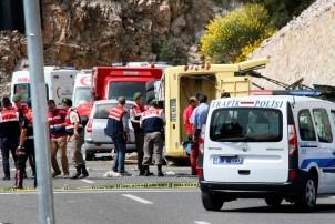 बस दुर्घटनामा ११ जनाको मृत्यु, ४६ जना घाइते