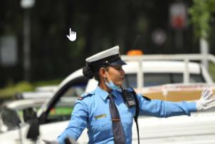 मैले जे देखेँः महिला ट्राफिक प्रहरीलाई टेर्दैनन् सवारी चालक