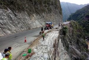 मुग्लिन-नारायणगढ सडक पुस ११ गतेसम्म दिउँसो बन्द हुने
