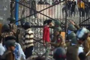 दिल्ली हिंसामा ज्यान गुमाउनेको संख्या १३ पुग्यो, देख्नेबित्तिकै गोली हान्ने आदेश