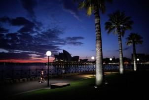 पर्यटकलाई अस्ट्रेलियाका अध्यागमन प्रमुखको चेतावनी- 'घर फर्किन अर्को उडान समात्नूस् !'